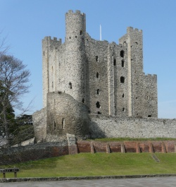Note the round tower of Rochester Castle, built after the original square tower was collapsed.